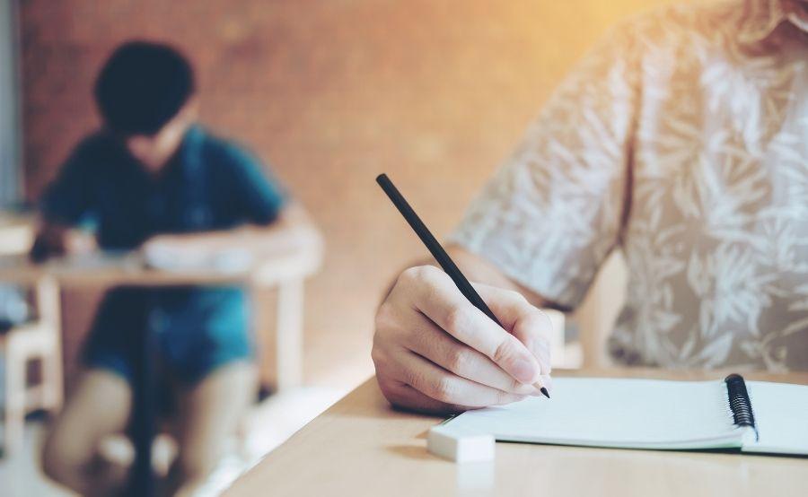 چطور آزمون GRE را با موفقیت پشت سر بگذارید؟